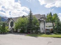 Boutique hotel in downtown Canmore alberta