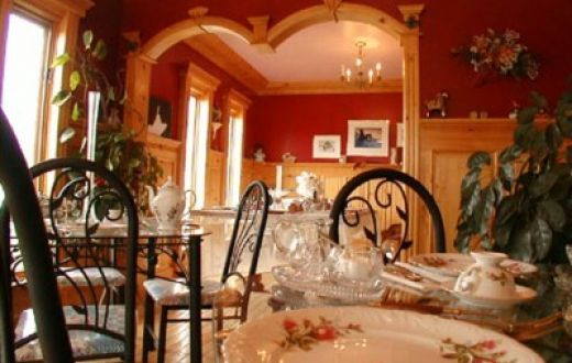 Heartwood Inn & Spa in Drumheller, Alberta, features fine dining in the Heartwood Room.